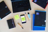 OXFORD SCHOOL OPENFLEX COLOURS A4 Tapa de plástico libreta grapada 5x5 con 2 márgenes 48 Hojas negro con bandas de color horizontales TURQUESA