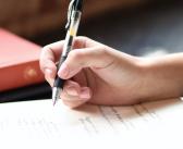 Un nuevo estudio aconseja seguir escribiendo a mano