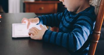 Recomendaciones sobre el uso de pantallas en niños